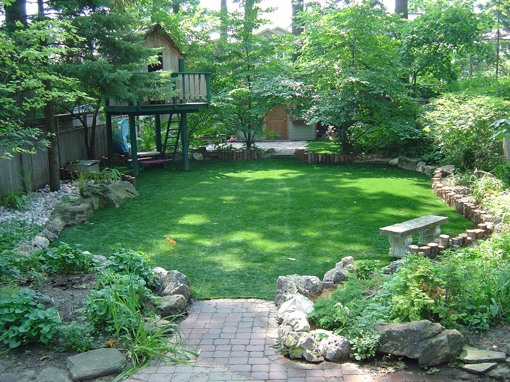 care-free-15-year- artificial-lawn