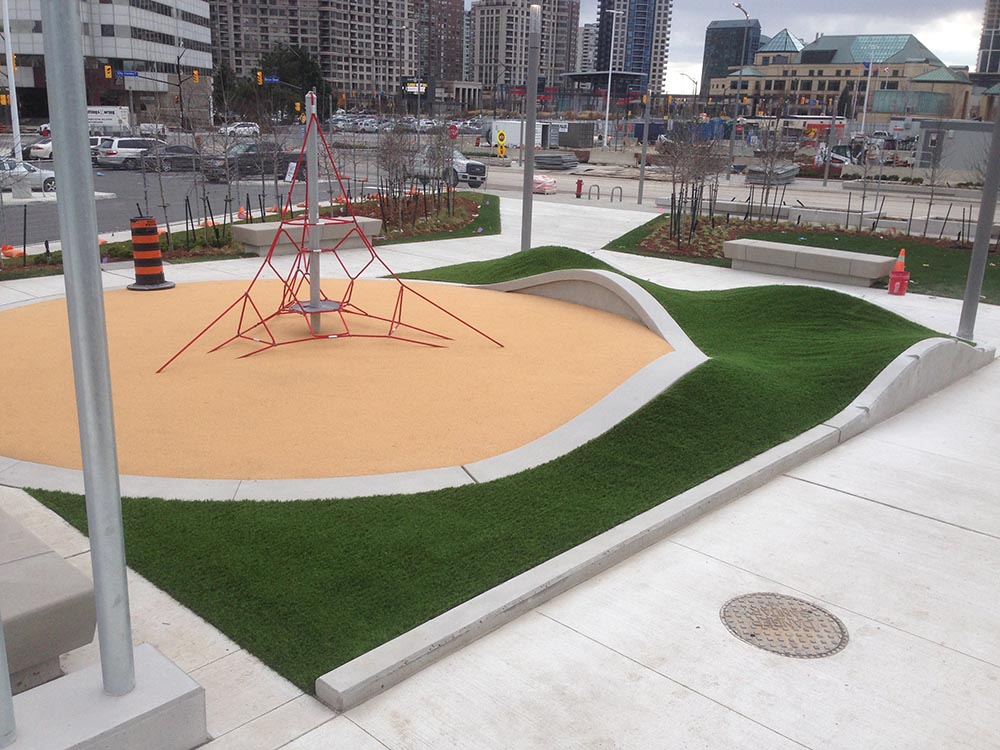 care-free-curved-playground-turf